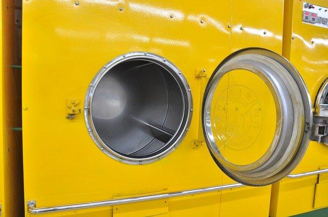 黄色のドラム乾式の洗濯乾燥機